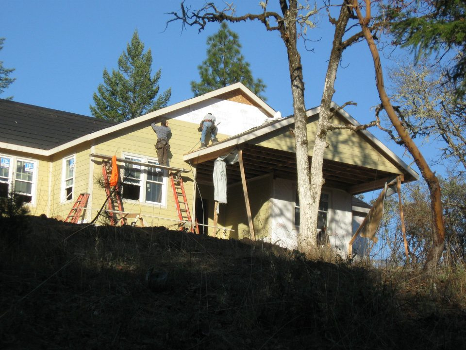 Front View of Exterior Siding installation on lot 16 in Paradise Vista