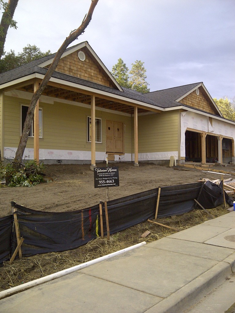 WyndamWay-Grants Pass, Exterior Feb-2012