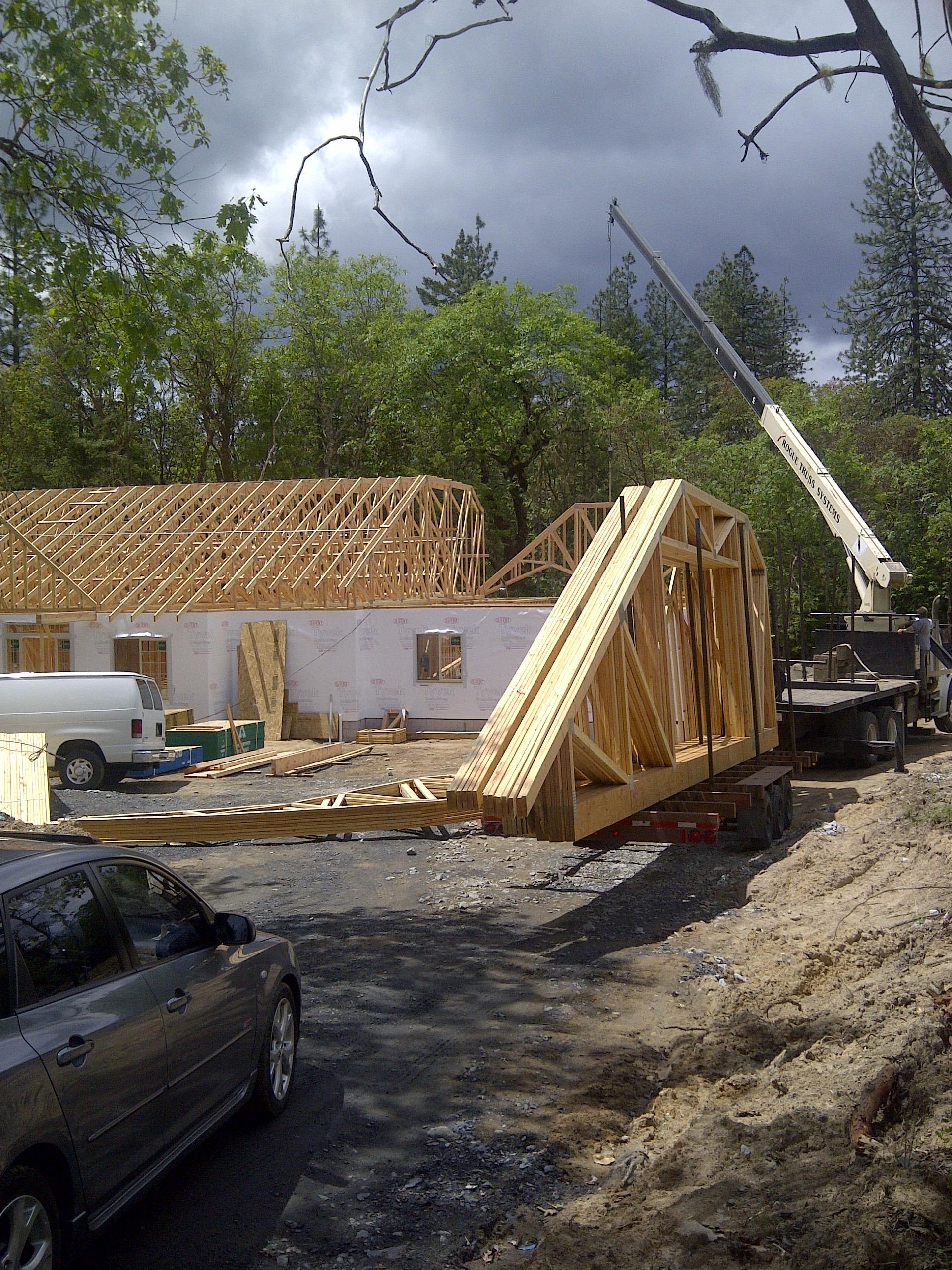Lot 4-Paradise Vista roof trusses put into place w/crane